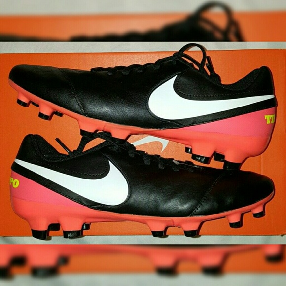 209d5f664a4 Nike Tiempo Leather FG Soccer Cleats Sizes 9